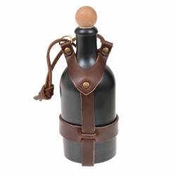 Flaska med läderhållare